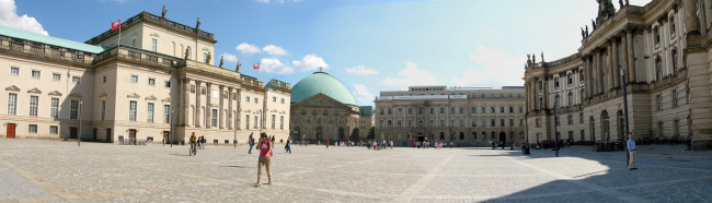 Bebelplatz_looking_South